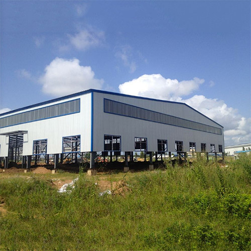 Steel Prefab Warehouse under the blue sky